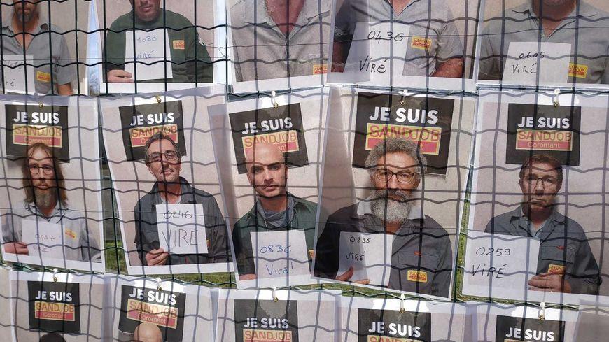 Les portraits des 161 salariés de Sandvik sur les grilles de l'usine à Fondettes