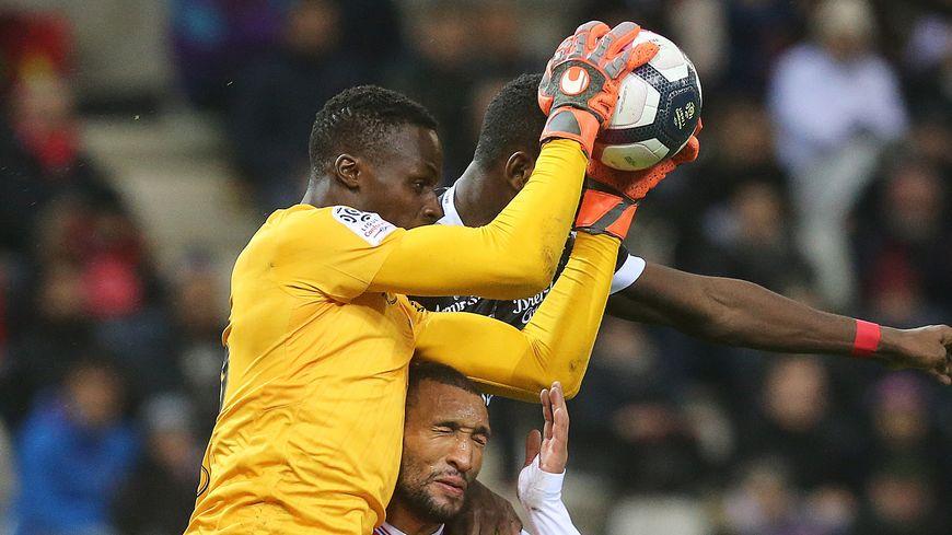 Le gardien de but du Stade de Reims Edouard Mendy va retrouver son ancien club.