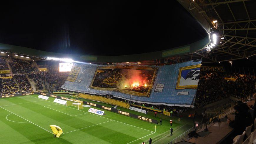 Les supportes de la Brigade Loire ont déployé un magnifique tifo à l'entrée des joueurs avant le derby face à Angers (1-1).