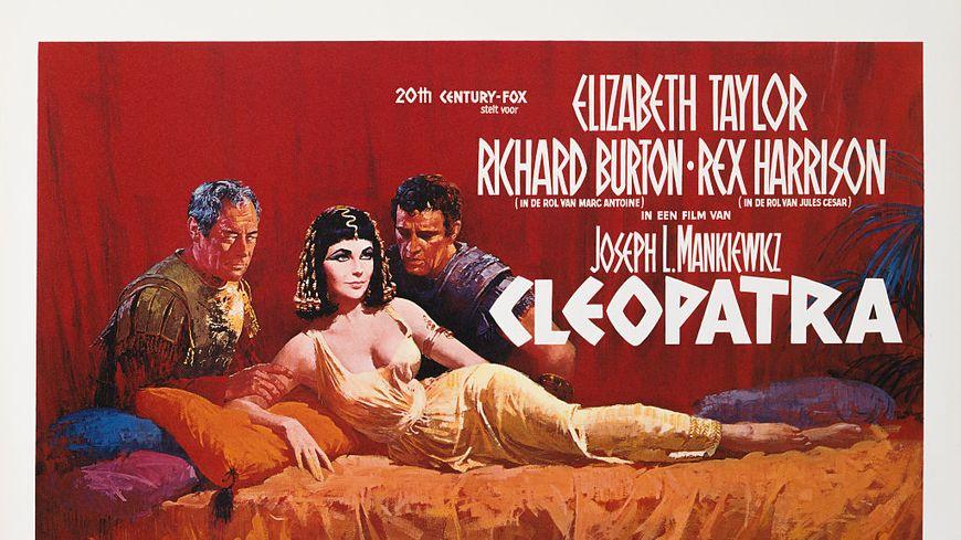 Affiche du film biographique «Cléopâtre» de 1963 de Joseph L. Mankiewicz et Rouben Mamoulian, mettant en vedette Elizabeth Taylor, Richard Burton et Rex Harrison.