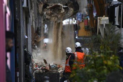 Les recherches se poursuivent à Marseille après l'effondrement de trois immeubles