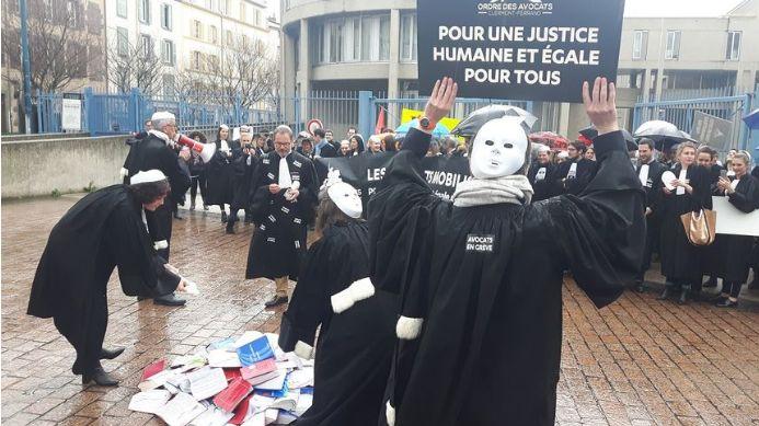 Grève totale des audiences cette semaine pour les avocats clermontois