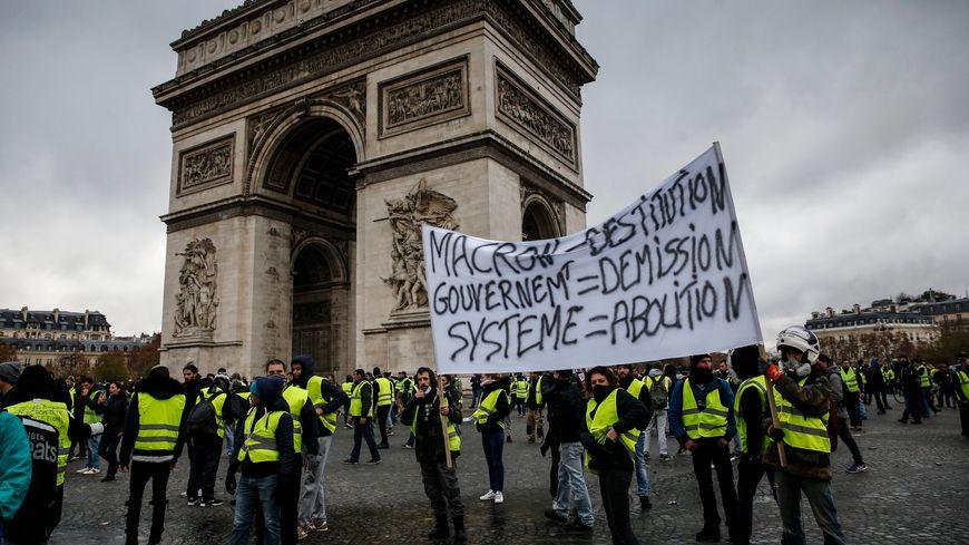 Qui est Emmanuel Macron ? - Page 20 870x489_maxnewsworldfour667672