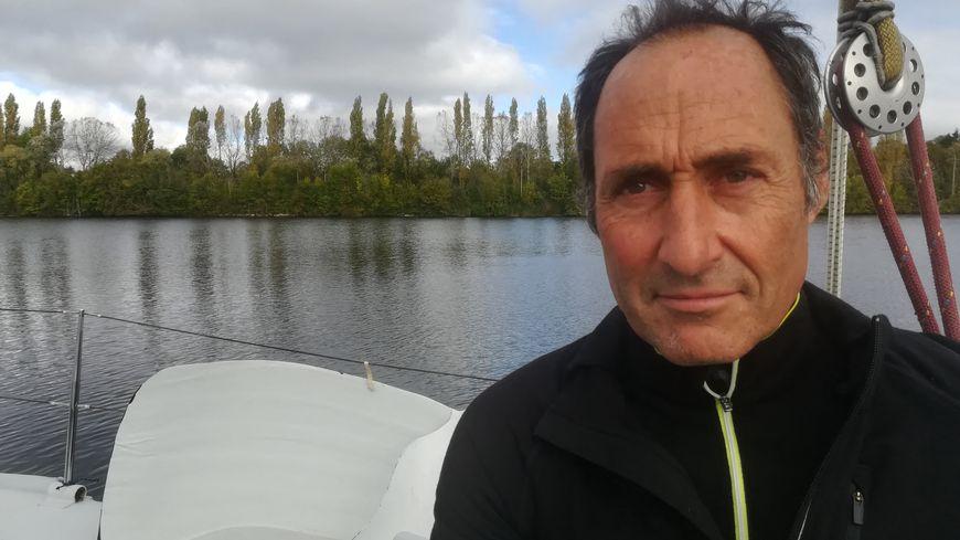Le skipper Jean François Lilti sur les bassins de Caen