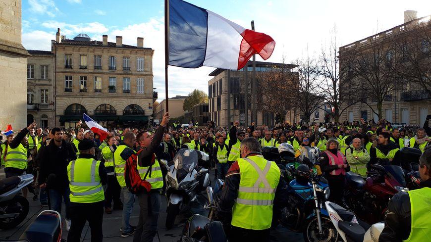 Environ 1500 personnes ont manifesté dans les rues de Bordeaux malgré l'interdiction préfectorale.