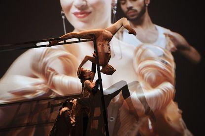 """Scène du spectacle """"The Fashion Freak Show"""", imaginé par le couturier et styliste français Jean-Paul Gaultier, aux théâtre des Folies Bergères à Paris, jusqu'au 30 décembre 2018."""