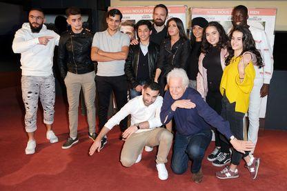 """Kheiron et André Dussollier, avec le casting du film """"Mauvaises Herbes"""", lors de l'avant-première à l'UGC Cinéma des Halles (12 novembre 2018, Paris - France)"""