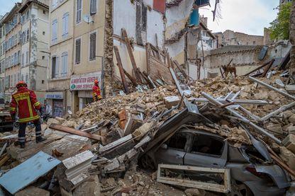 Les secours le 5 novembre 2018 autour des immeubles écroulés à Marseille