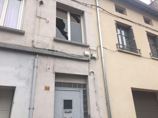 Les deux frères louaient l'appartement au 1er étage depuis un mois.