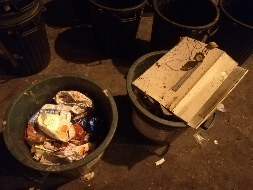 Les déchets sont ensuite triés par catégorie puis sous-catégorie