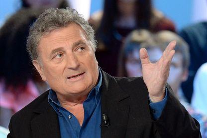 """Patrick Rotman, auteur, scénariste et réalisateur le 6 mai 2013 à Paris, dans l'émission """"Le Grand Journal"""" sur Canal +."""