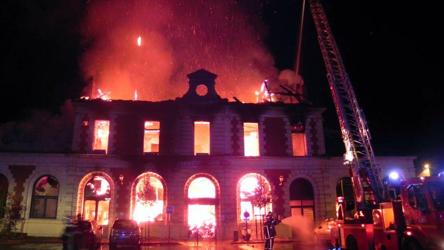 L'incendie s'est déclaré vers 4h du matin
