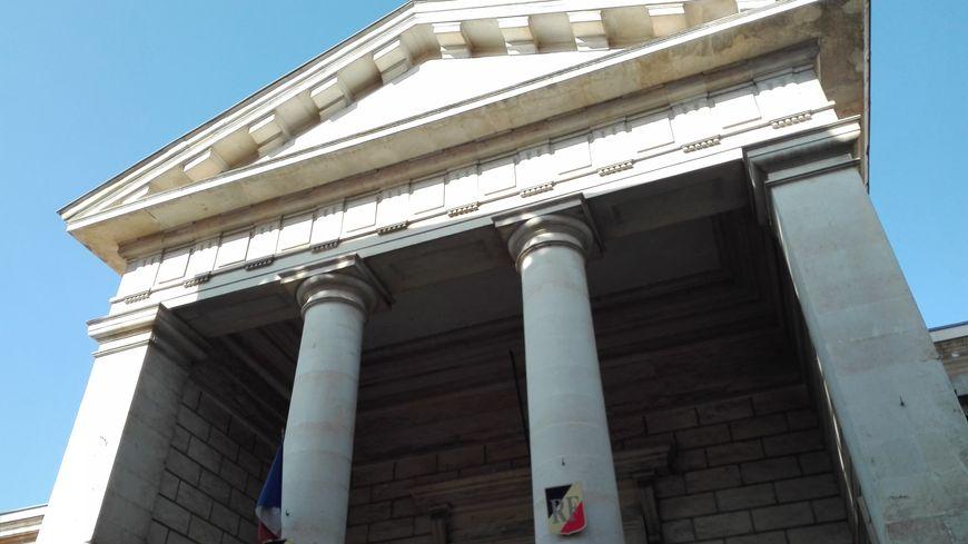 Les débats reprennent ce jeudi matin à 9h devant la cour d'assises des Deux-Sèvres