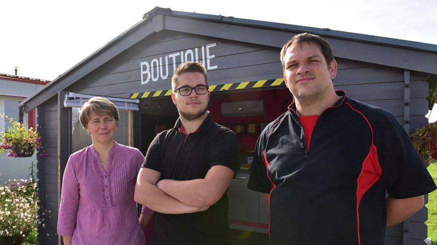 La famille Tourbier qui gère l'entreprise Aux Folies Gourmandes à Saint Léonard De Noblat