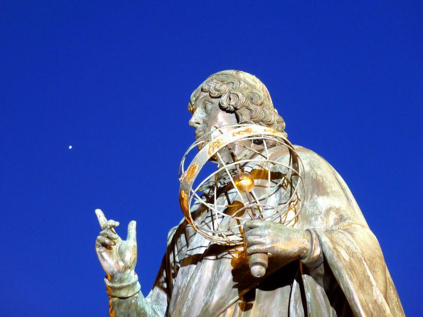 Statue de Copernic, astronome de la renaissance (1473-1543) (Statue située dans sa ville natale de Torun)