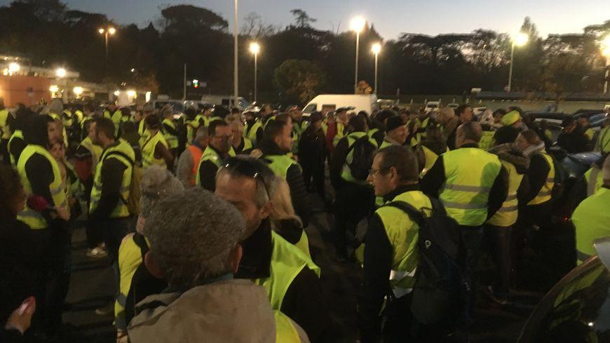 Les gilets jaunes se donnent rendez-vous dès 7h en Haute-Garonne, sur une dizaine de lieux.