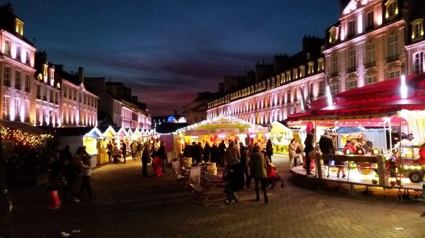 Marché de noel place Saint-Sauveur à Caen