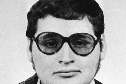 Portrait remontant au début des années 1970 d'Ilich Ramirez Sanchez, alias Carlos, 48 ans, symbole pendant vingt ans du terroriste insaisissable.