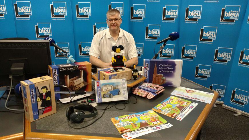 Claude Metz présente les LEGO alsaciens