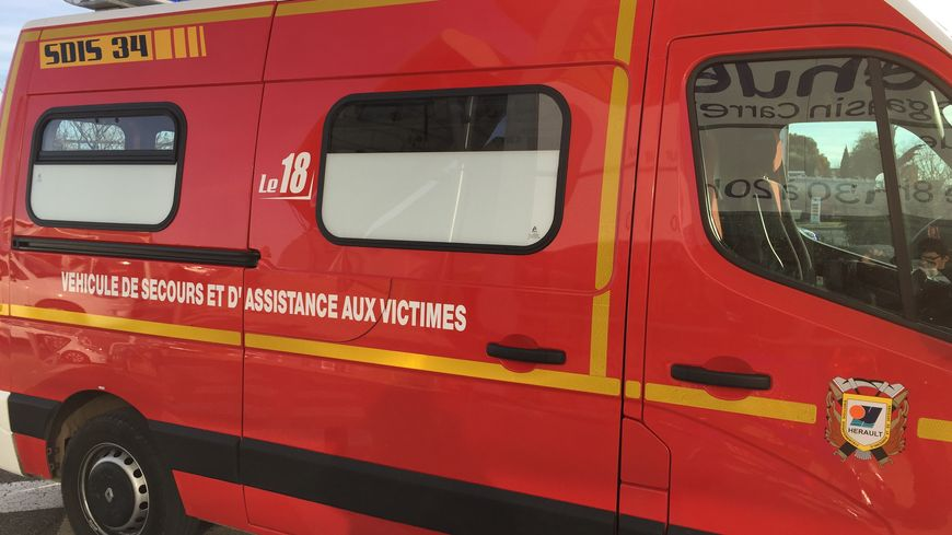 ambulance du sdis 34 ( illustration )