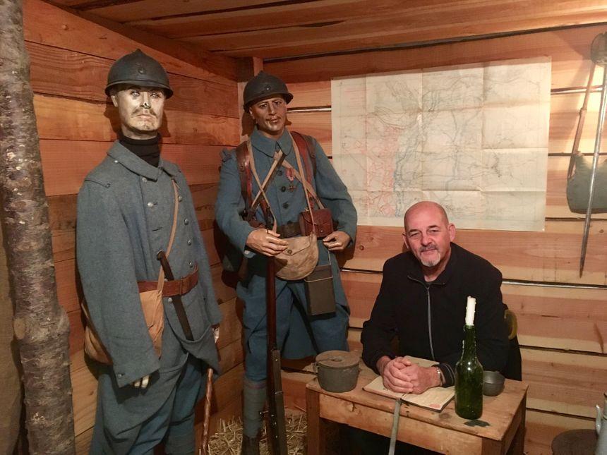 Bernard Dumeige a aménagé une tranchée et un abri pour qu'on imagine la vie des soldats.