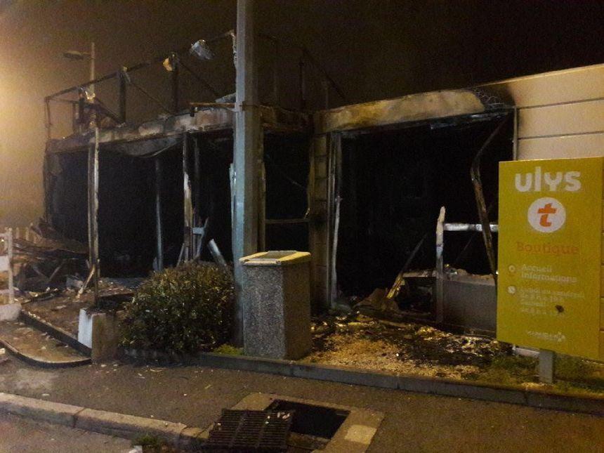 Le local de Vinci détruit par les flammes