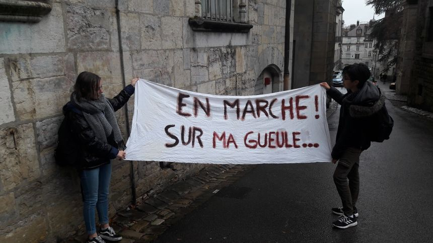200 lycéens ont manifesté à Besançon à l'appel de L'UNL contre la réforme du bac et parcoursup