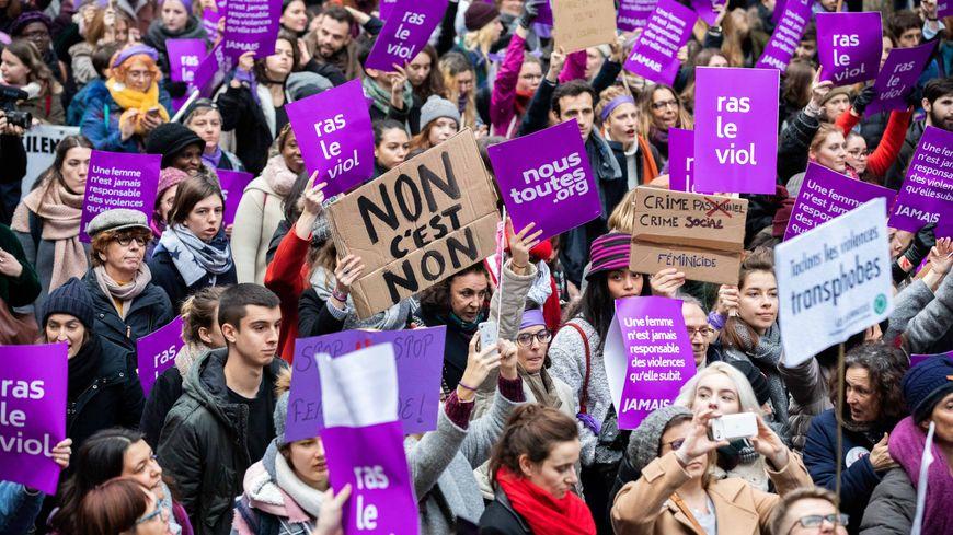 Une plateforme en ligne de signalement des violences faites aux femmes sera lancée mardi