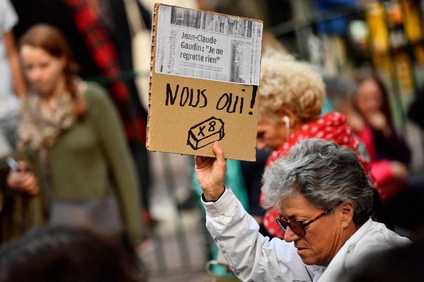Marseille :une participante à la marche blanche dédiée aux 8 victimes de l'effondrement de deux immeubles insalubres( lundi dernier)  cible le maire Jean Claude Gaudin
