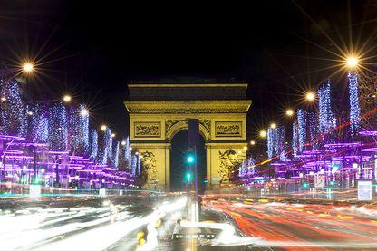 Les illuminations sur les Champs-Elysées