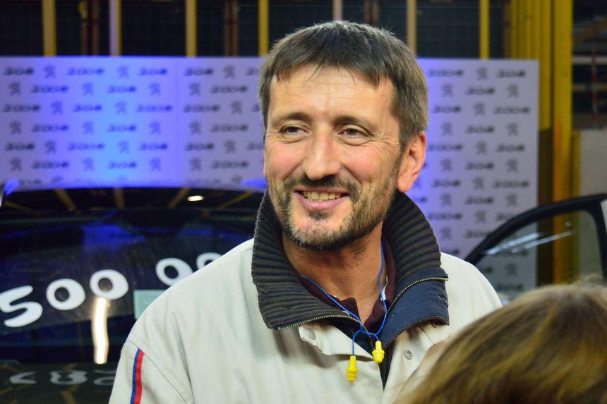Stéphane Dubs, un directeur d'usine tout sourire.