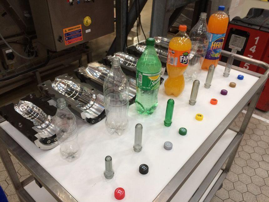 Les différents marques et formes de soda fabriquées par l'usine de Castanet-Tolosan