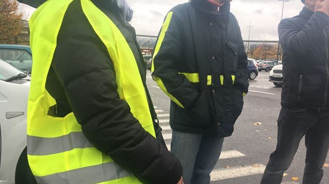 hausse des carburants des gilets jaunes pr parent la manifestation du 17 novembre en seine et. Black Bedroom Furniture Sets. Home Design Ideas
