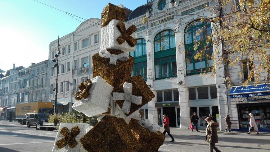 Blanc et or : ce sont les couleurs de Noël 2018 à Niort