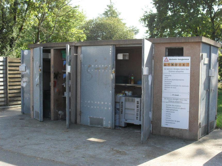 Les particuliers peuvent rapporter leur huile de friture usagée dans ce genre de locaux dans les 26 déchetteries du Sitcom Côte sud des Landes