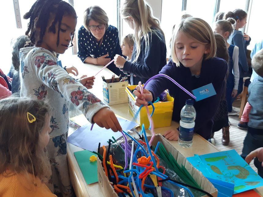 Autour de jeux et d'activités créatives, les enfants anglais et français ont pu échanger. L'engagement est pris de se revoir.