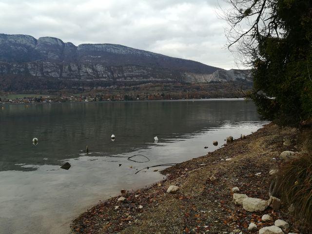 Le lac d'Annecy a particulièrement souffert cette année