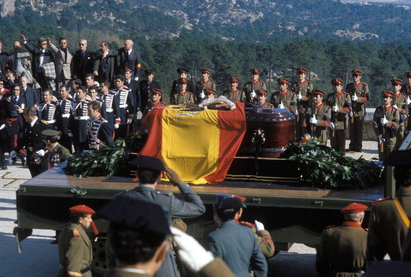 Les obsèques de Franco en 1975 (Valle de los Caidos)