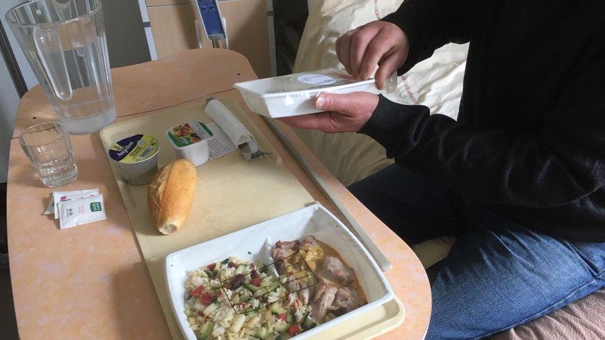 Poireaux à la ravigote, dinde aux petits légumes, crème aux oeufs : que des plats que Vincent, hospitalisé à Purpan, a indiqué aimer.