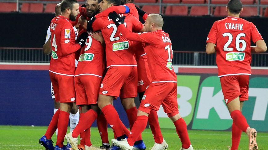 La joie des footballers Dijonnais ce mercredi soir après le troisième but signé Wesley Saïd