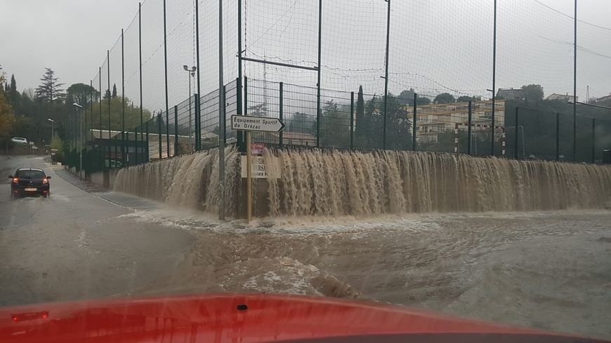 De fortes précipitations touchent Lodève et ses environs ce vendredi après-midi