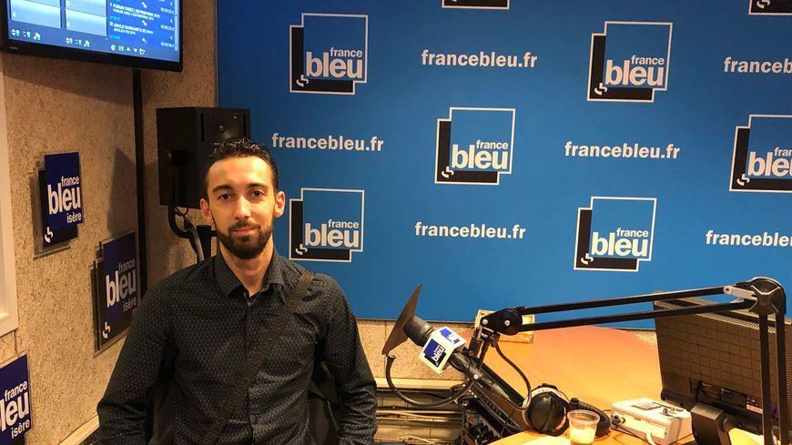 Julien Terrier dans les studios de France Bleu Isère le 16 novembre dernier