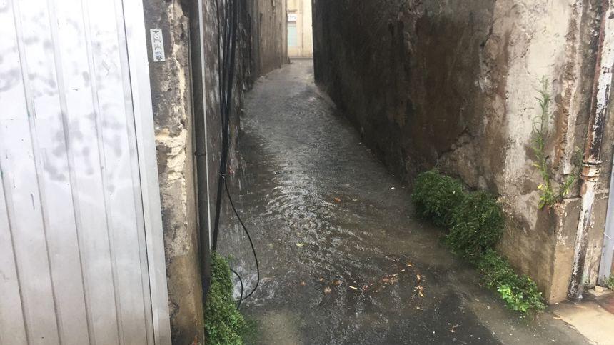 En août le centre-ville d'Avignon était complètement sous l'eau, notamment la rue Privade.