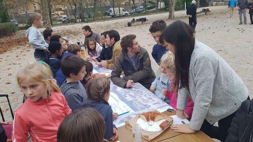 Les enfants de Rompon imaginent le futur centre de leur village