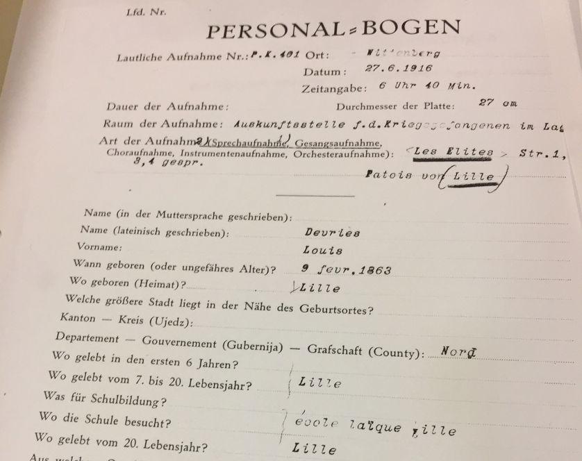 Une fiche de renseignement sur un des prisonniers français enregistrés