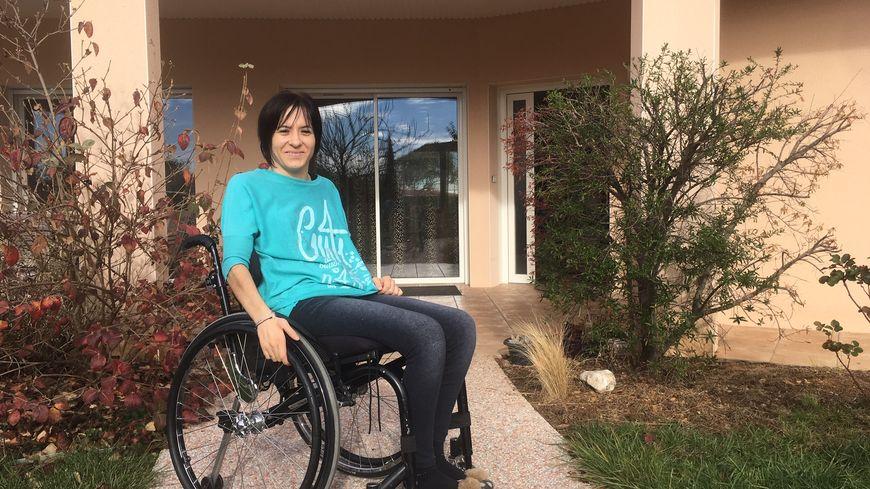 Virginie espère dire adieu à son fauteuil lors de son retour de Chine.