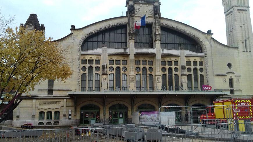 Le parvis de la gare de Rouen est toujours en travaux