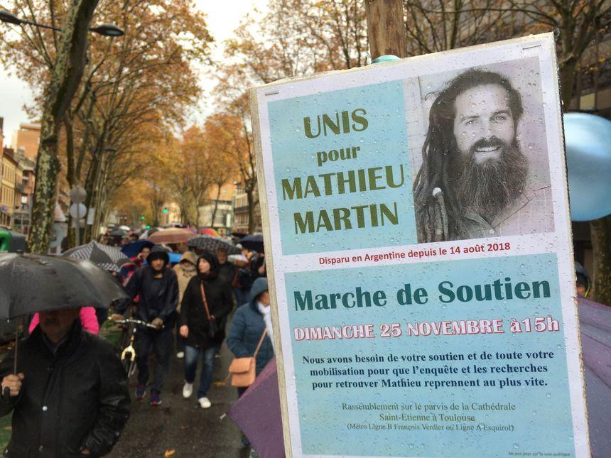 Parmi les personnes présentes à ce rassemblement, beaucoup de proches de la famille de Mathieu Martin