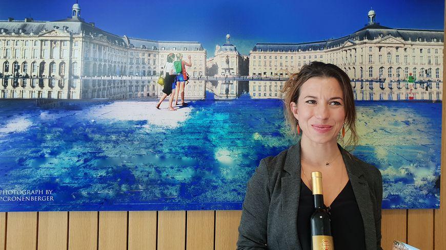Barbara Bacic des Robes de l'Est dans les studios de France Bleu Gironde