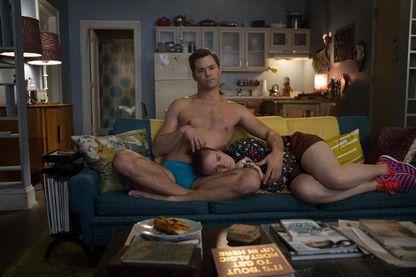 """Andrew Rannells et Lena Dunham, sur le tournage de """"Girls"""", de Lena Dunham (photo extraite de la saison 6) : une série """"Sex and the City"""" version féministe !"""
